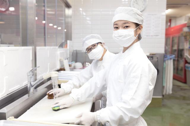 食品工場の清潔なユニフォーム